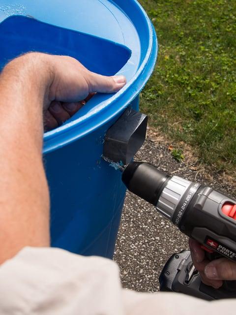DIY rainwater barrel construction