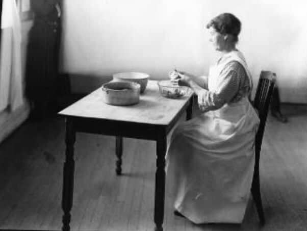 woman making food
