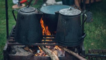 13 Ways to Cook without Electricity When the Grid Fails