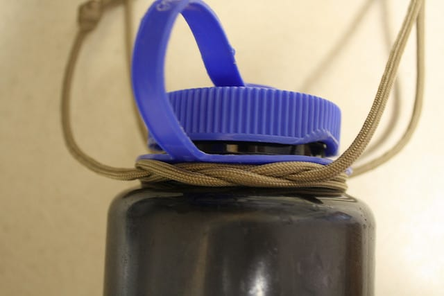paracord bottle sling