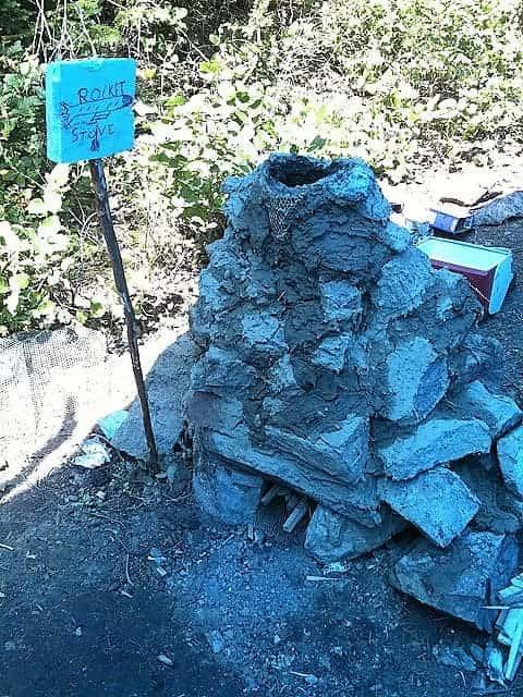 mud rock rocket stove design