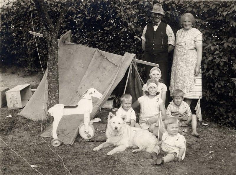 grandparents with grand children