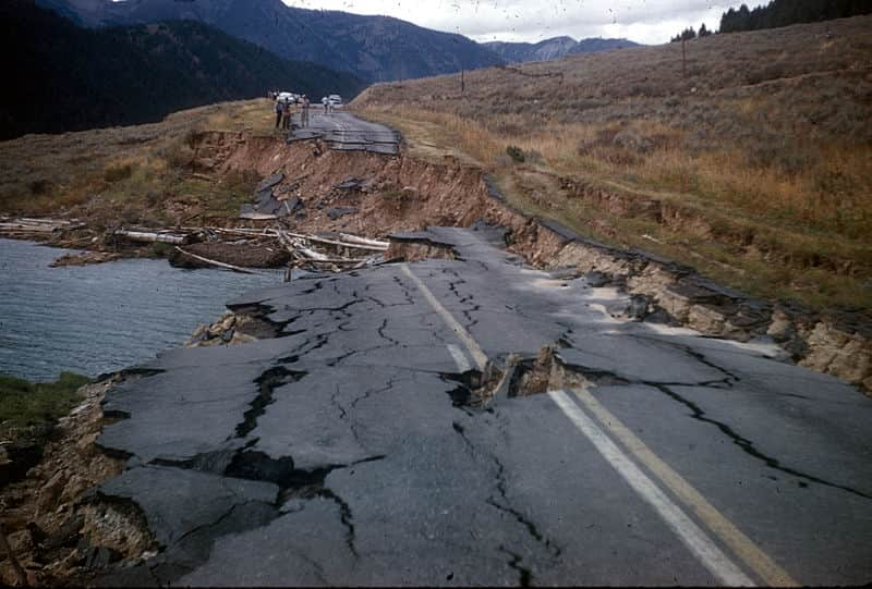 roads destroyed by earthquake