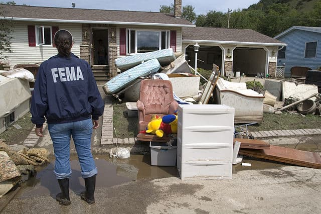 flood cleanup safety