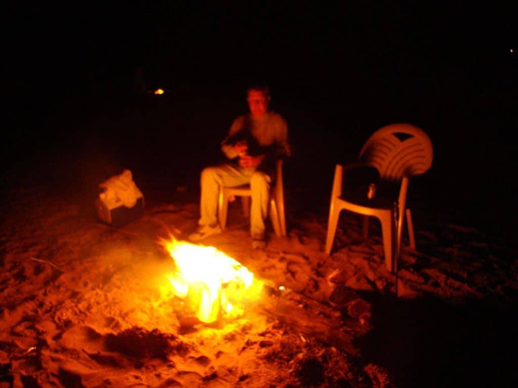 Beach_fire_at_night