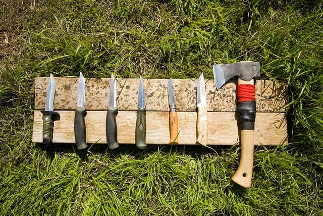 Best Bushcraft Axe: No Nonsense Buyers Guide, Dependable Reviews For