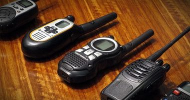 Complete Guide to the Best Two Way Radios: Ham, CB, FRS, GMRS, and MURS