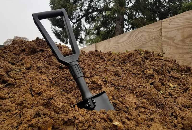Gerber folding spade in soil