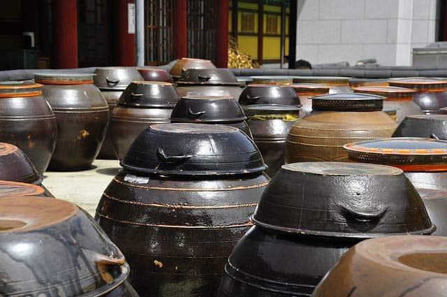 ceramic pickling crocks for kimchi