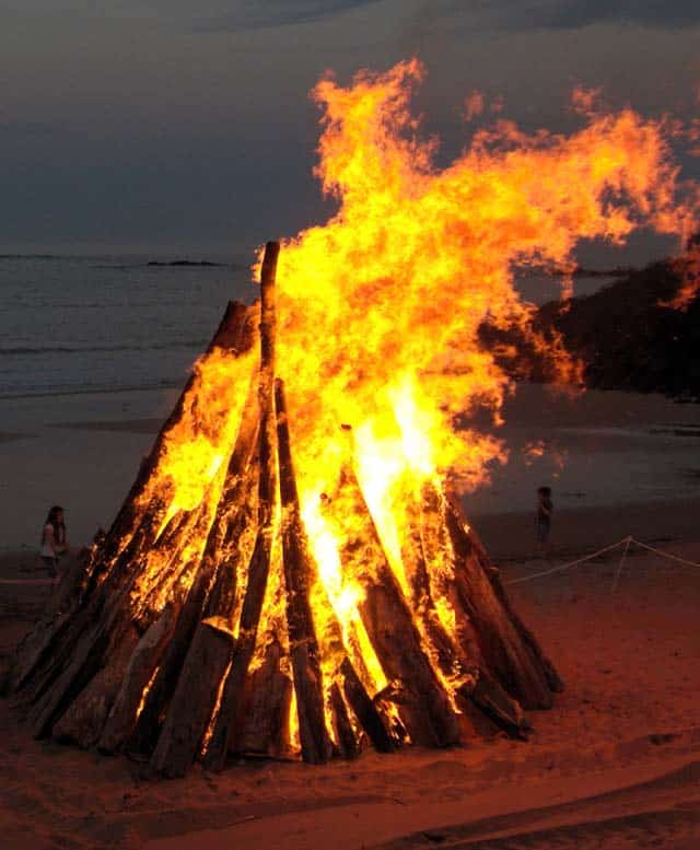 fire signal pyre