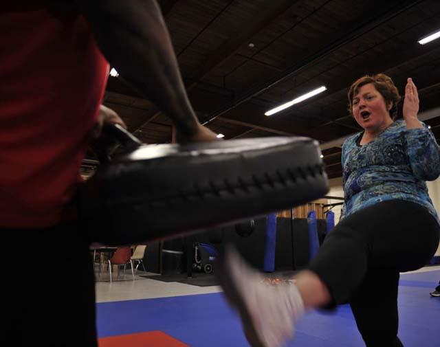 self defense groin kick move