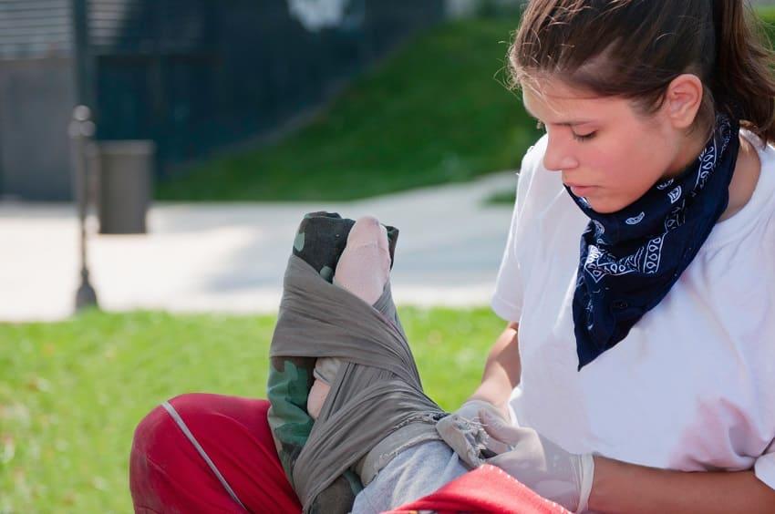 treating broken ankle